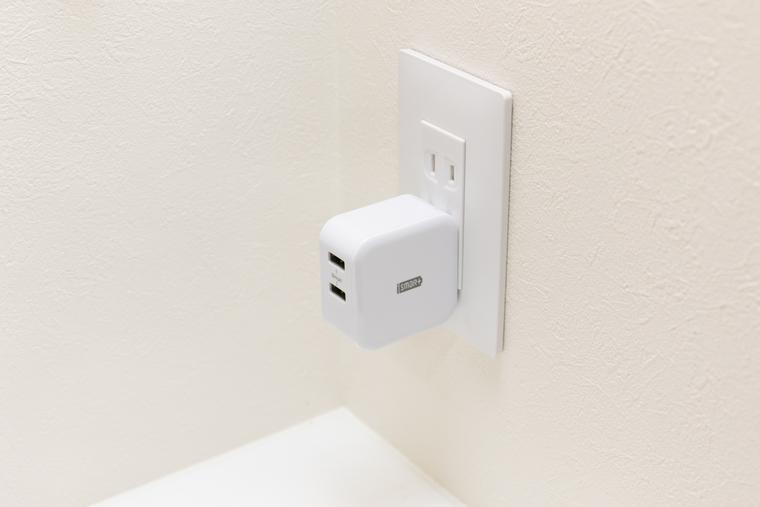 飛び出る USB 充電器